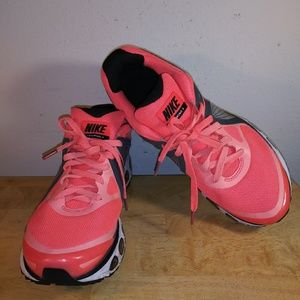 Nike Air Max Flywire Women's Running Shied
